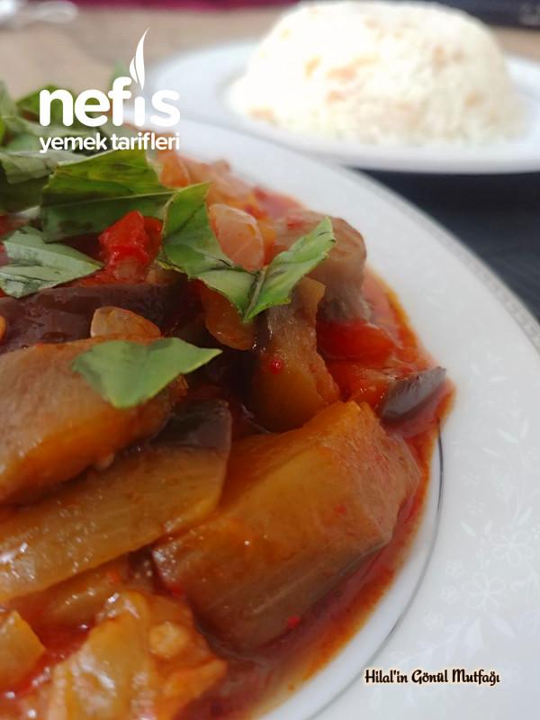 Bol Domatesli Patlıcan Yemeği (Diyette Olanların Da Favorisi Olacak Bir Yemek)