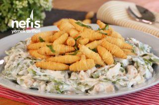 Çıtır Yufkalı Tavuklu Semizotu Salatası Tarifi