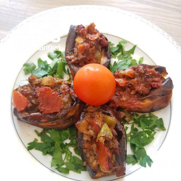 Patlıcanları Fırınlanan Mini Karnıyarık Tarifi