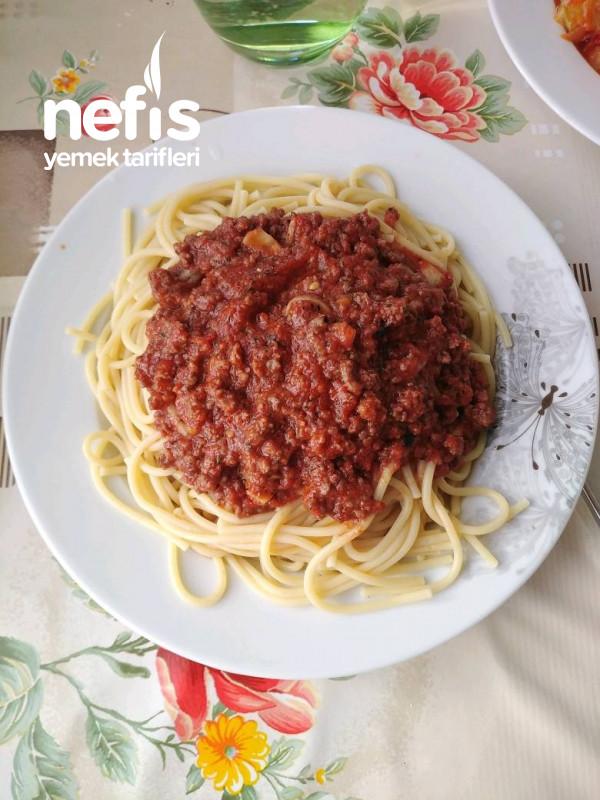 Çok Lezzetli Kıyma Soslu Spagetti
