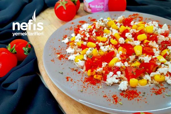 Hafif Ton Balığı Salatası (Tek Kişilik) Tarifi