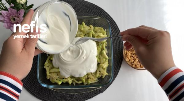 Tam Bir Yaz Salatası (Sosu Özel Yoğurtlu Kabak Salatası)