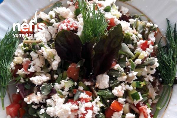 Çok Malzemeli Az Kalorili Diyet Salata Tarifi