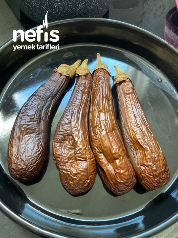 Mütebbel (Tahınlı Patlıcan Salatası)