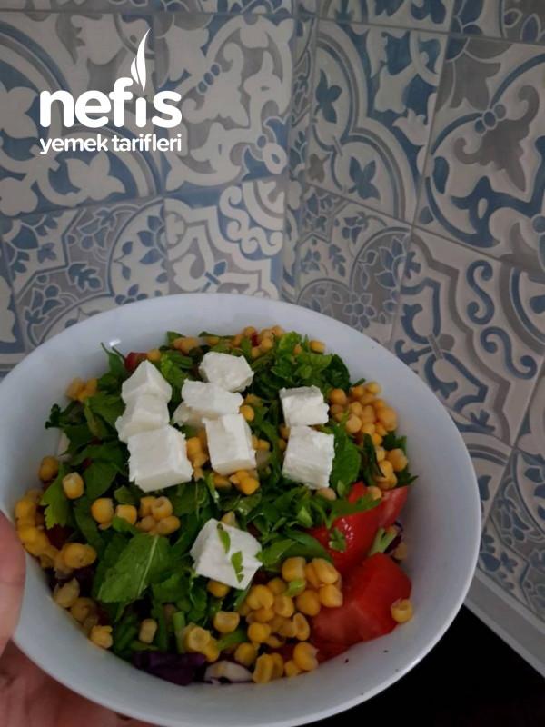 Peynirli Yaz Salatası (Diyete Uygun)