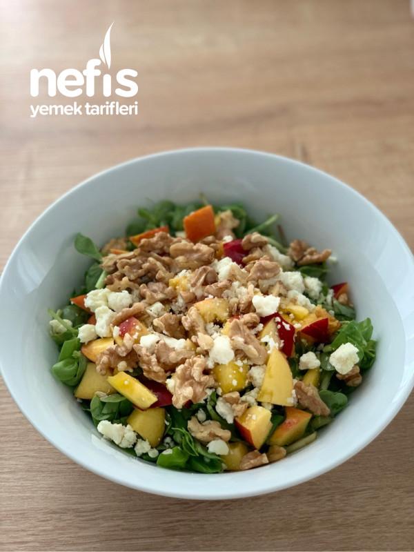 Nektarinli Semiz Otlu Yaz Salatası