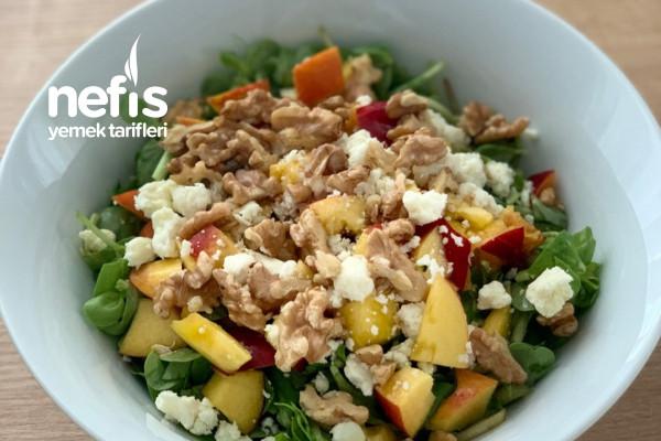 Nektarinli Semiz Otlu Yaz Salatası Tarifi
