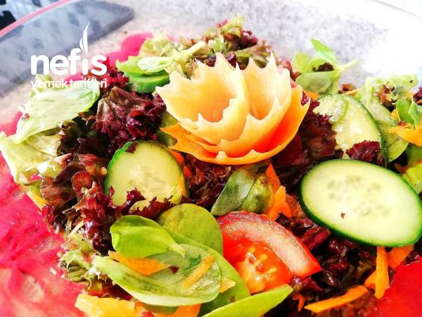 Akdeniz Yeşillikli Hardal Soslu Salata