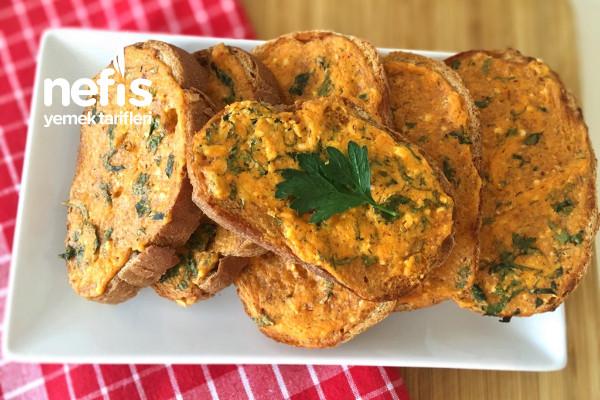 Kahvaltılık Salçalı Peynirli Kızarmış Ekmek Tarifi