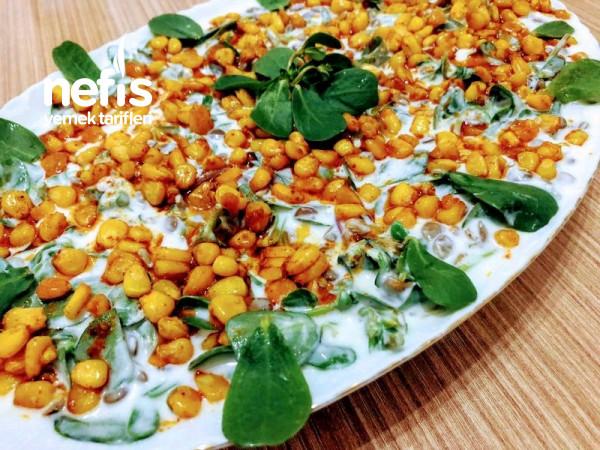 Yoğurtlu Mercimekli Semizotu Salatası