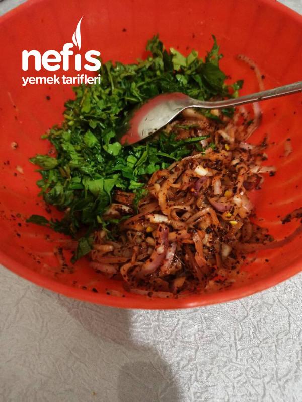 5 Dakikada,Az Malzemeli Soğan Salatası( kebap yanına özel)