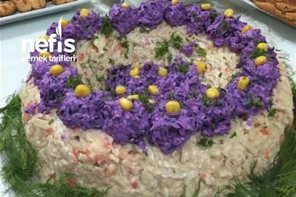 Erişteli Kereviz Salatası Tarifi