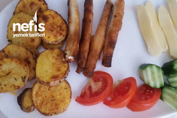 Kahvaltıya Mis Gibi Fırında Patates Tarifi