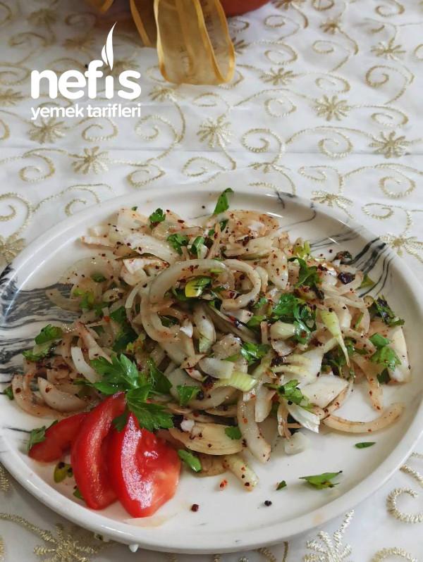 5 Dakikada, Az Malzemeli Soğan Salatası( Kebap Yanına Özel )