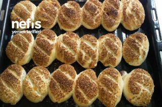 Kaşarlı Sucuklu Poğoça (Pastane Tadında) Tarifi