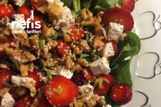 Çilekli Semizotu Salatası (Çok Havalı Salata) Tarifi