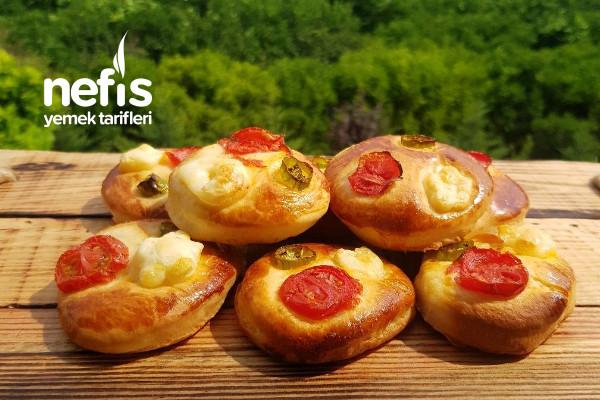 Pastaneden Almaya Son Nefis Pizza Poğaçalar(Videolu) Tarifi