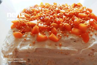 Şeftalili Yaş Pastası Tarifi