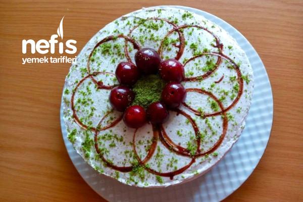 Bisküviyle Az Malzemeli Pratik Yaş Pasta(Videolu) Tarifi