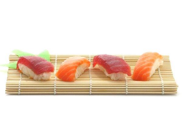 Nigiri: Japon Usulü Çiğ Balık Sunumu Tarifi