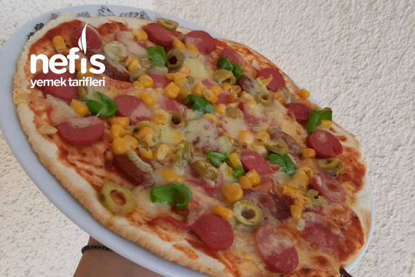 Pizza (Hazır Lavaştan) Tarifi