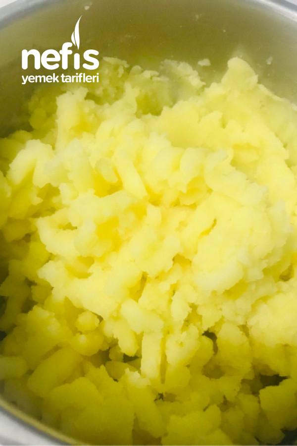 Pratik Soslu Patates Meze