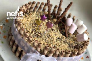 Yaş Pasta (Hazır Malzemelerle Muhteşem Sonuç, Orijinal Sunum) Tarifi