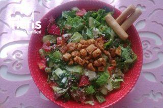 Çıtır Tavuklu Yeşil Salata Tarifi