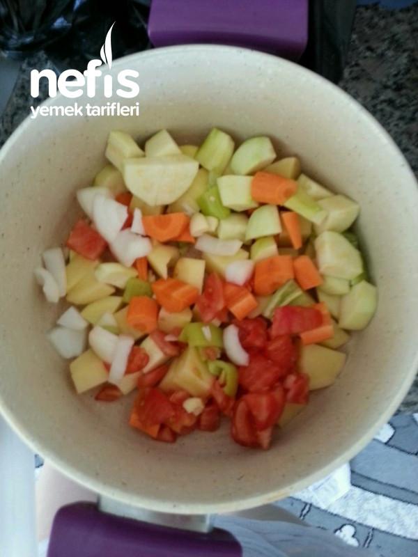 Sebze Çorbasi Besleyici Ve Nefis <3