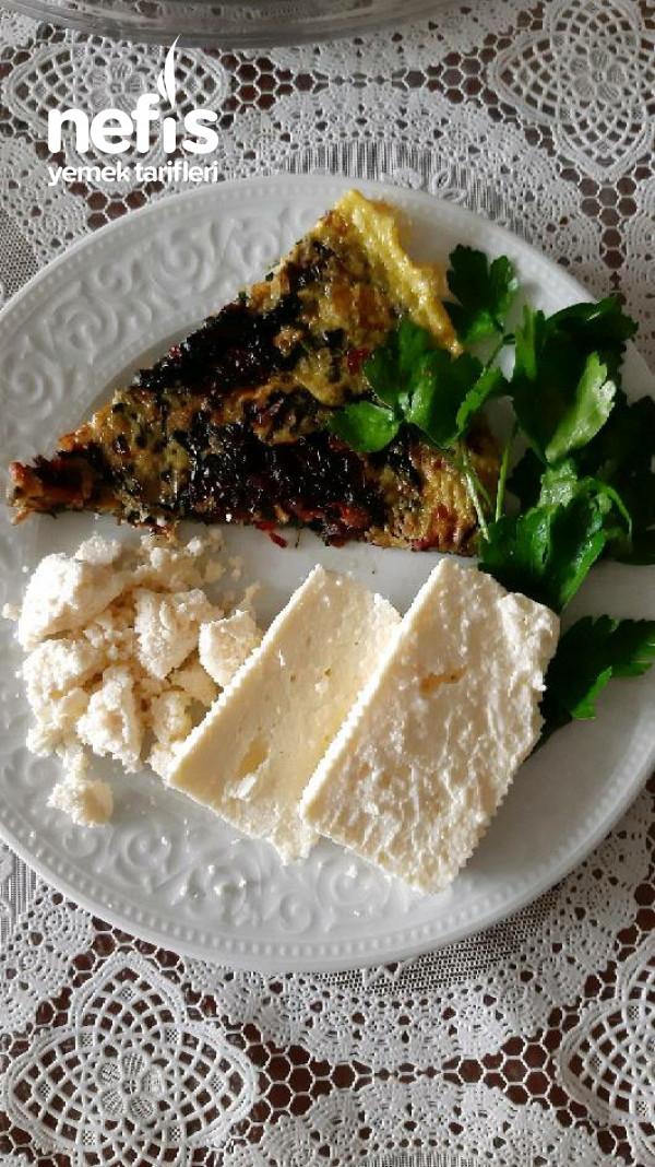 Mevsimlik Omlet (Pazı + kırmızı Pancar Yaprağı)