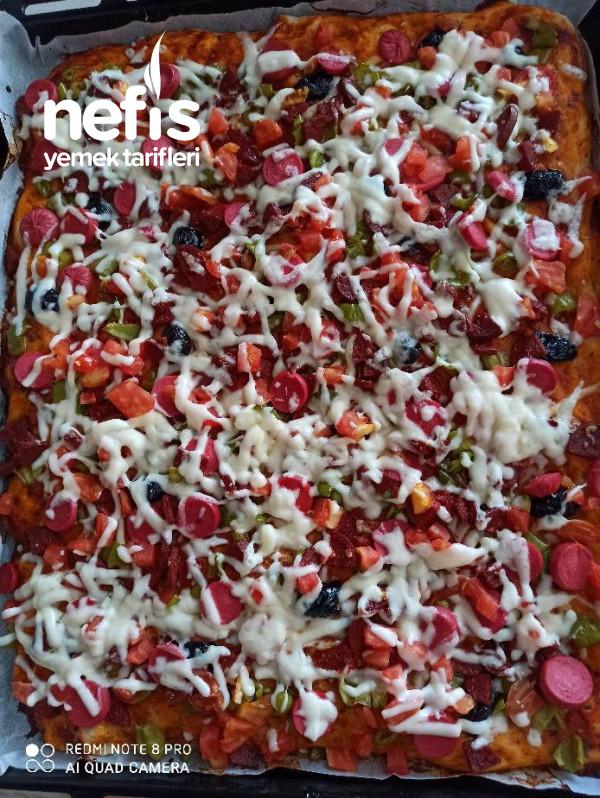 Pizza (Yemelere Doymayanlar)