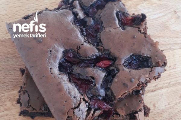 Vişneli Çikolatalı Brownie
