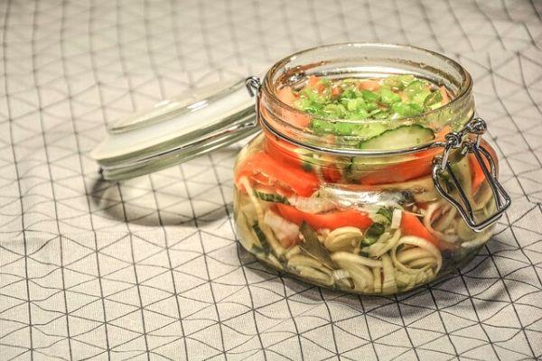 kavanoz salata