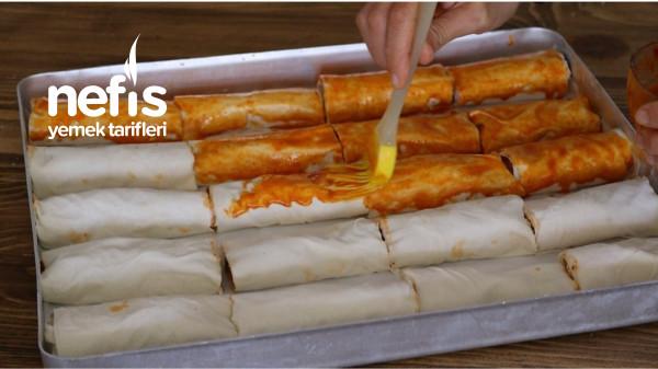 Nefis Farklı Sosuyla Patlıcanlı Börek
