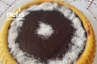 Tart Kalıbında Çikolata Soslu Tatlı Tarifi