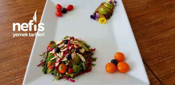 Erikli Bademli Yeşil Salata (Diyet Salata)