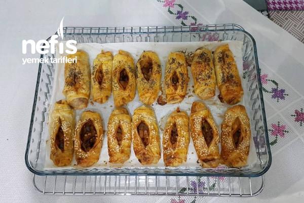 Kahvaltı Sofralarınızın Vazgeçilmezi Karnıyarık Börek