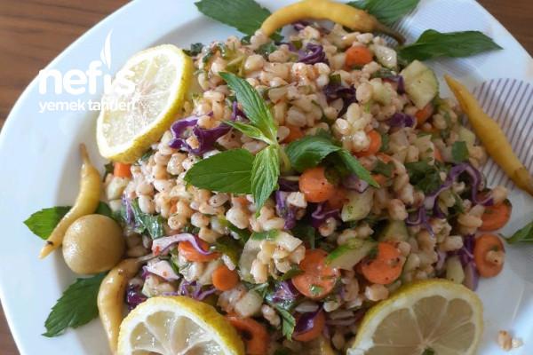 Kısır Tadında Buğday Salatası Tarifi