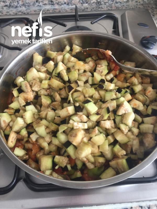Patlıcanlı Börekyiyen Mutlaka Tarif İsteyecek