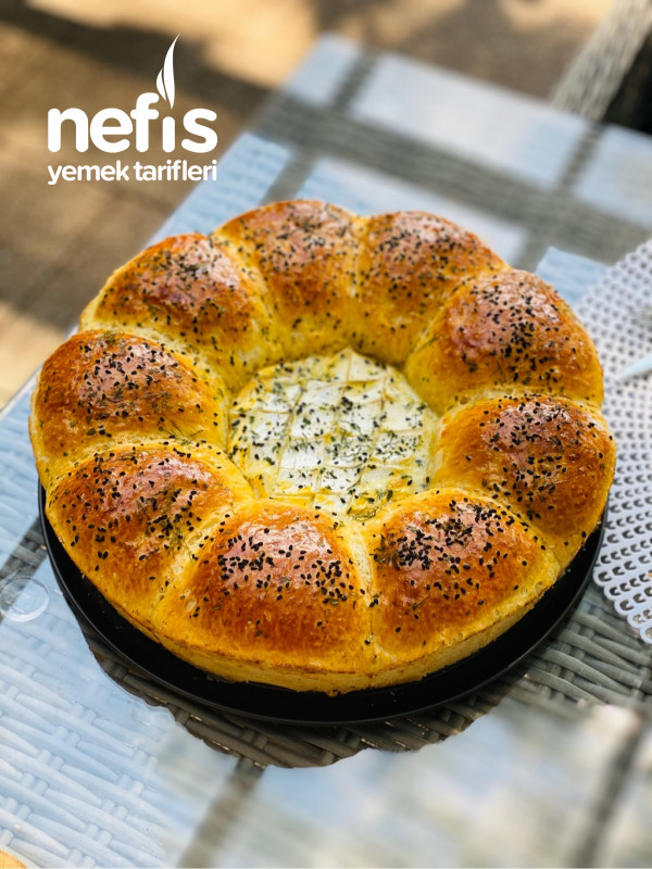 Peynirli Çiçek Ekmek