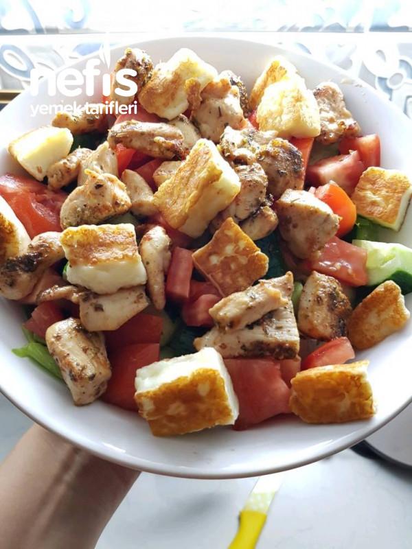 Tavuklu Hellim Salata