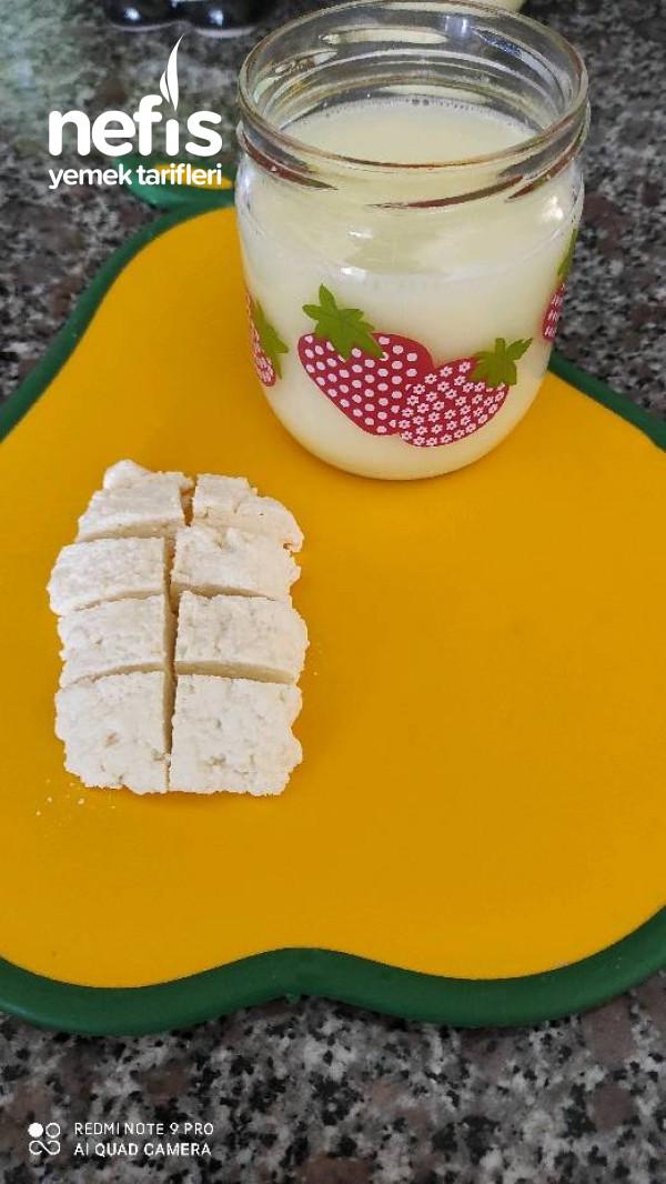 Bebek Peyniri Ve Peynir Altı Suyu