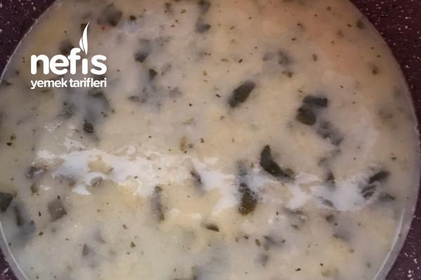 Ispanaklı Şehriyeli Yoğurt Çorbası Tarifi