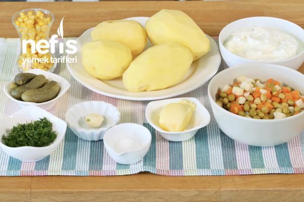 Garnitürlü Yoğurtlu Patates Salatası
