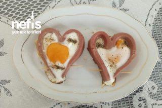 Sosisli Şık Yumurta Tarifi