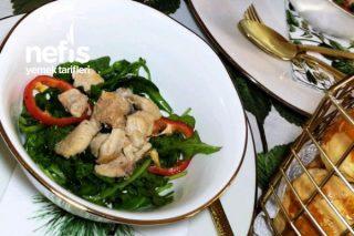 Rokalı Tavuk Salata (Lezzetine İnanamayacaksınız) Tarifi