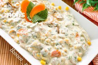 Yoğurtlu Karışık Mantar Salatası Tarifi
