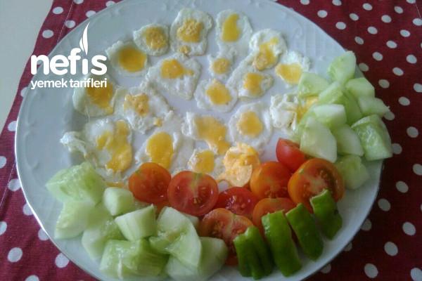 Yumurta Sevmeyen Afacanlara Tek Lokmalık Bebek Omlet Tarifi