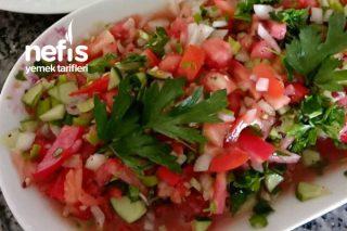 Her Yemeğin Yanına Gidecek Kebapçı Salatası Tarifi