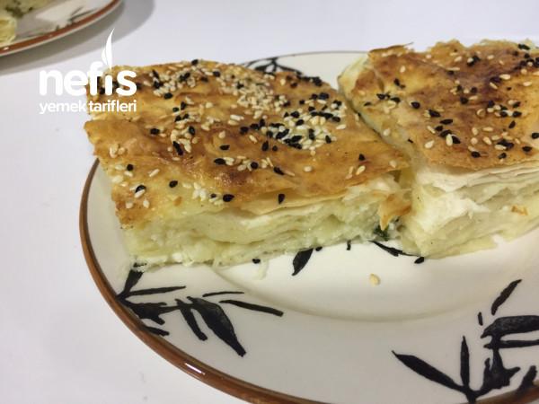 Peynirli Tepsi Böreği